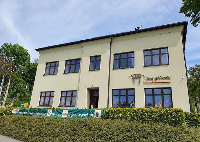 Výstava Zaostřeno na Jizerky se v červnu a červenci představí v Domě přírody Českého ráje